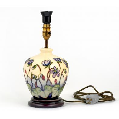 moorcroft-ashwood-hepatica-boudoir-lamp
