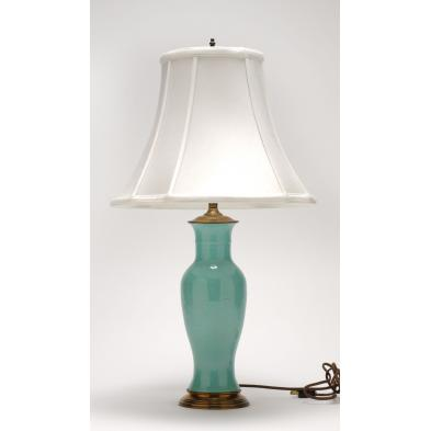 table-lamp-incorporating-chinese-monochrome-vase