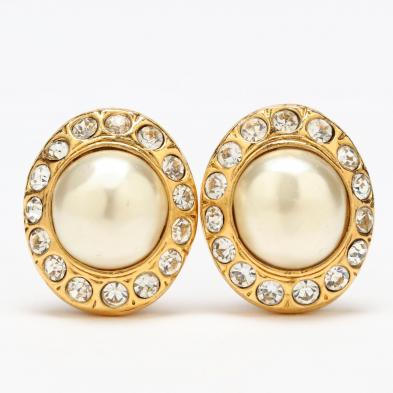vintage-faux-pearl-ear-clips-chanel
