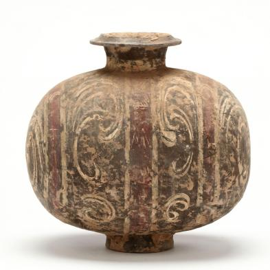 chinese-painted-cocoon-jar