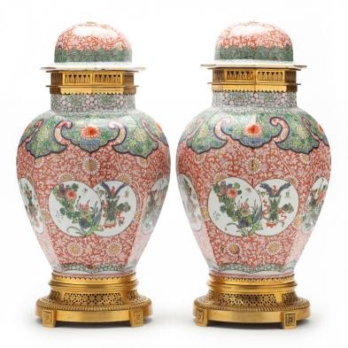 pair-of-chinese-export-porcelain-urns-with-ormolu-bronze-mounts