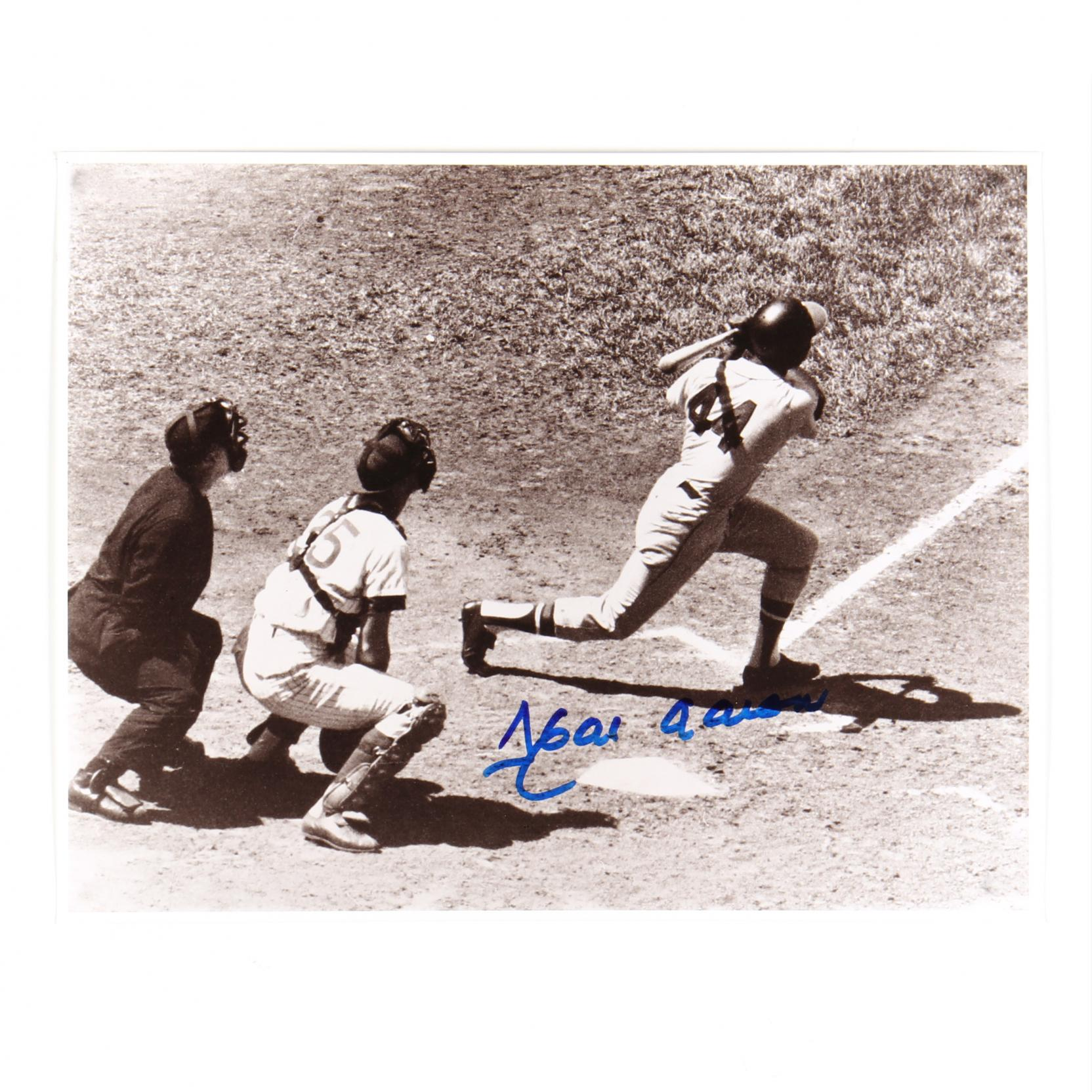 hank-aaron-signed-photograph-with-coa
