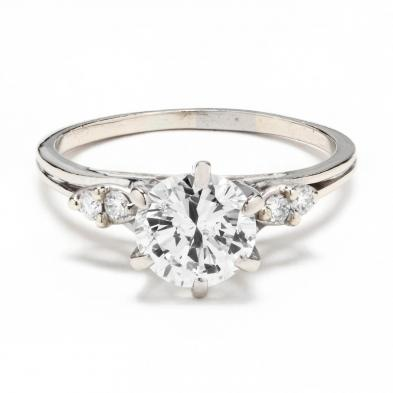 18kt-white-gold-and-diamond-ring