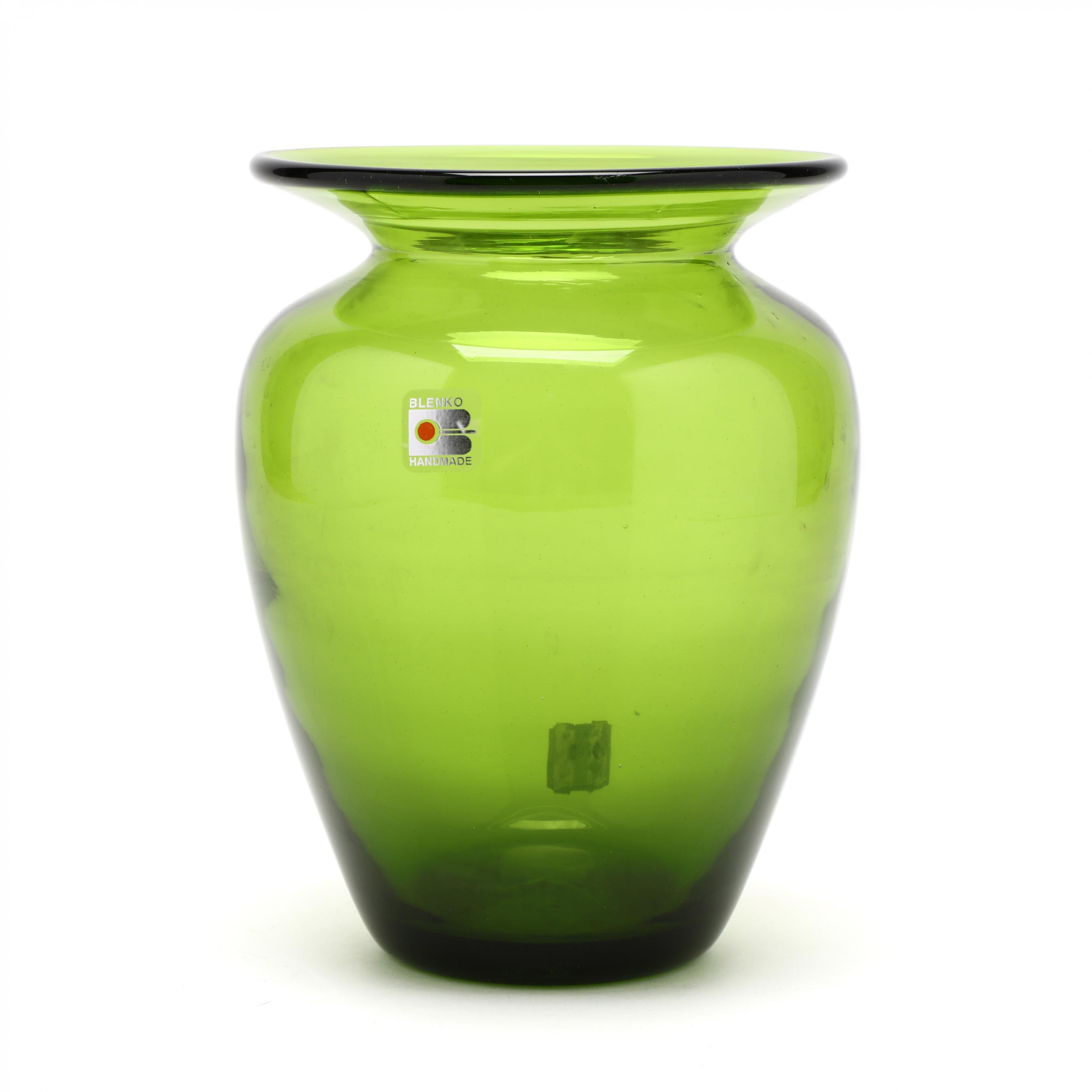blenko-modern-baluster-glass-vase