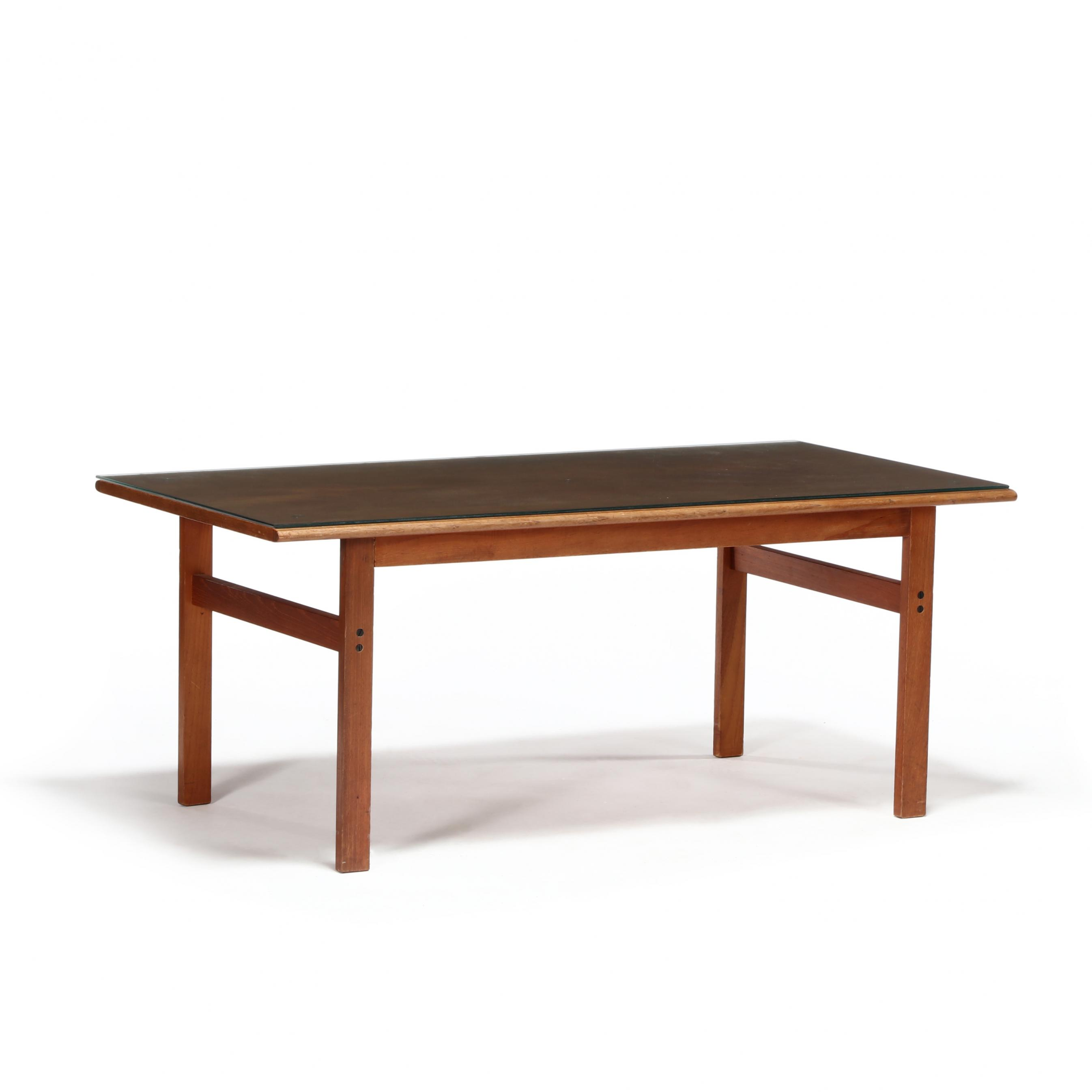 illum-wikkelso-denmark-1919-1999-teak-coffee-table